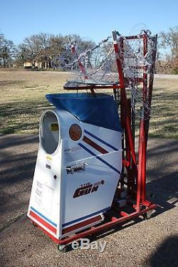 THE GUN SHOOT-A-WAY 6000 BASKETBALL TRAINER, AUTO THROW BACK, WORKS NICE